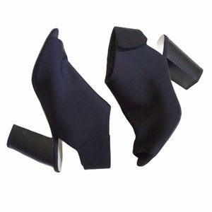Chinese Laundry open toe black Shoes